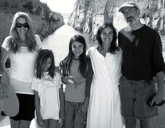 What does Steve Jobs daughter, Erin Siena do? Wiki, Net Worth, Family,  Siblings Reed and Eve Jobs, College