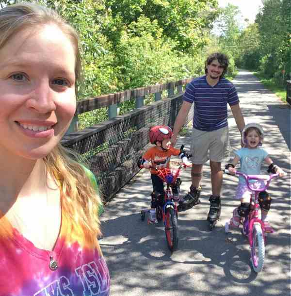 Dr  Pol vet Dr  Emily Thomas' Wiki, New Baby, Husband, Net Worth, Age